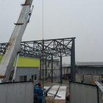 Proces výstavby oceľovej haly
